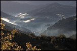 Meyrueis dans la brume    ====  Modèle de l'appareil : Canon EOS 450D  Objectif : EF-S18-135mm f/3.5-5.6 IS  Date et heure de la photo : 2011-10-26...