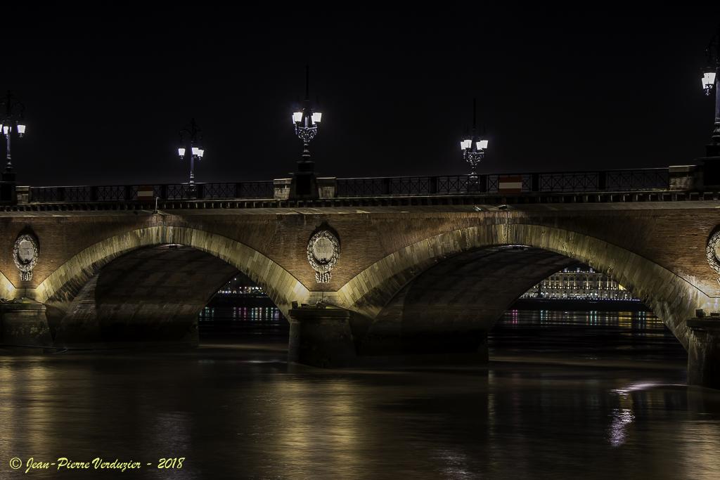 Pb avec msg aléatoire en page d'accueil-pont-de-pierre-bordeaux-4608.jpg