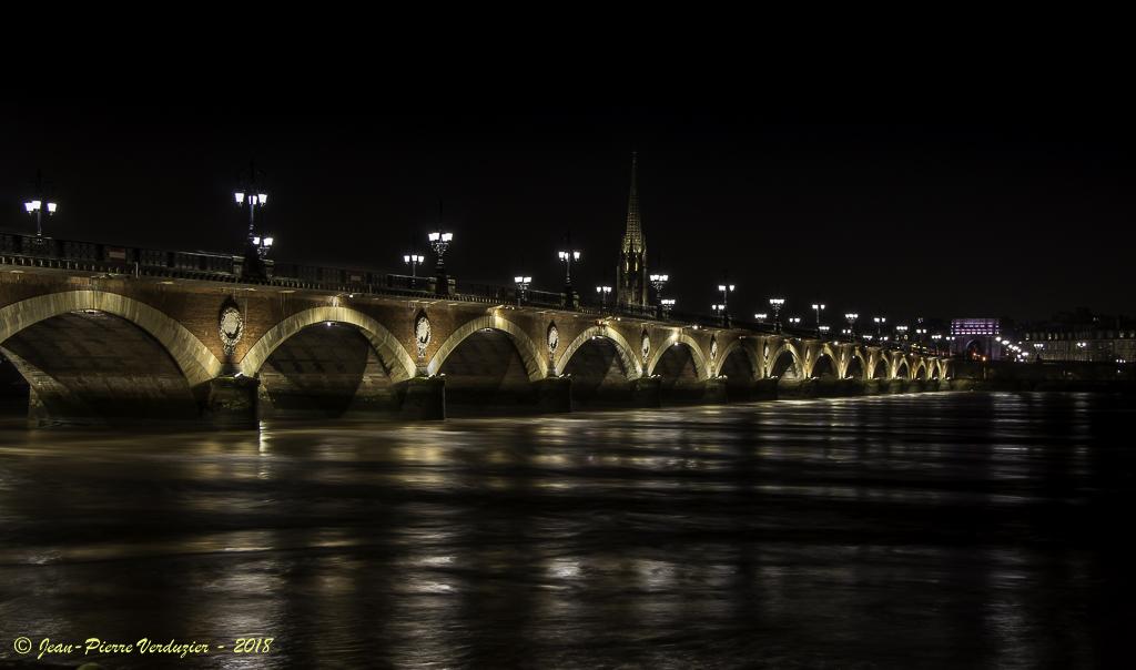 Pb avec msg aléatoire en page d'accueil-pont-de-pierre-bordeaux-4620.jpg