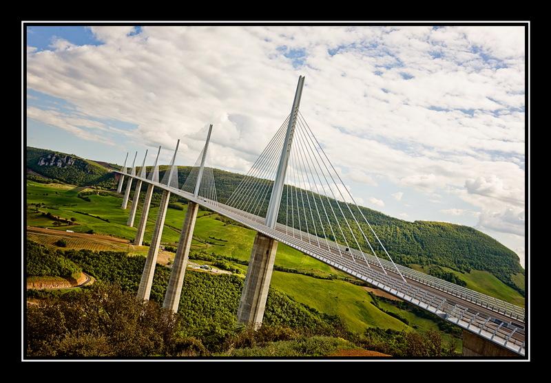 Viaduc de Millau 101456425