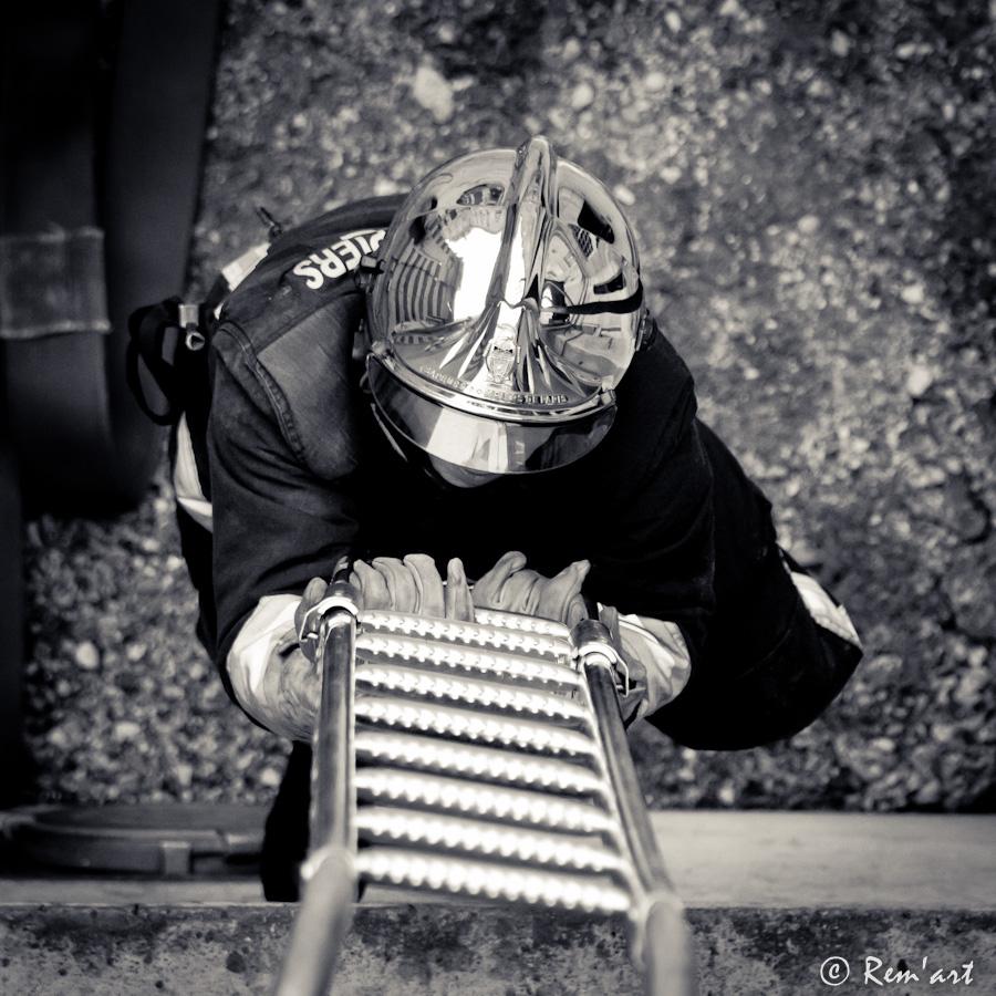 Entrainement de pompier - Echelle a crochet ...