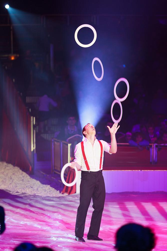 Cirque bouglione - Image jongleur cirque ...